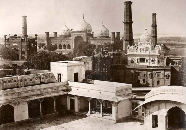 lahore-fort-1864-600x419