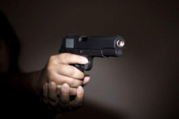 que-sucede-si-disparas-un-arma-en-el-espacio-00