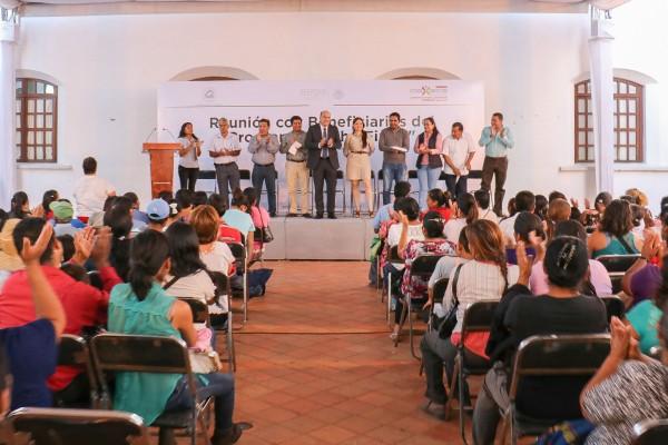 Reunioìn con beneficiarios de TechnoFirme 01-10-15-10